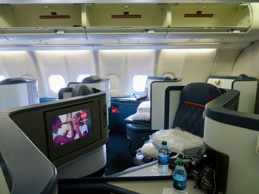 This image has an empty alt attribute; its file name is 11-Delta-One-business-class-1024x768.jpeg