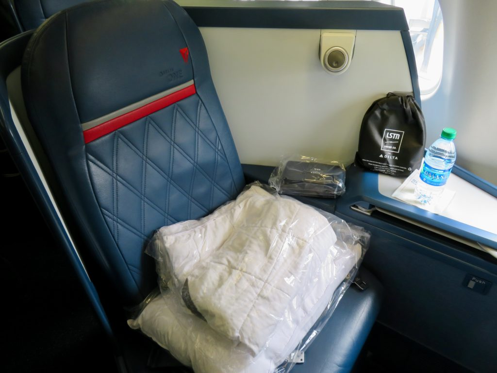 This image has an empty alt attribute; its file name is 13-Delta-One-business-class-seat-1024x768.jpeg