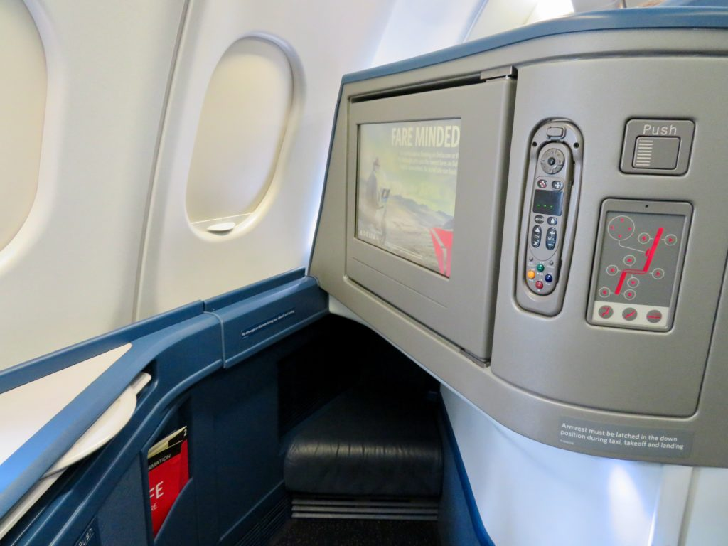 This image has an empty alt attribute; its file name is 15-Delta-One-business-class-seat-1024x768.jpeg