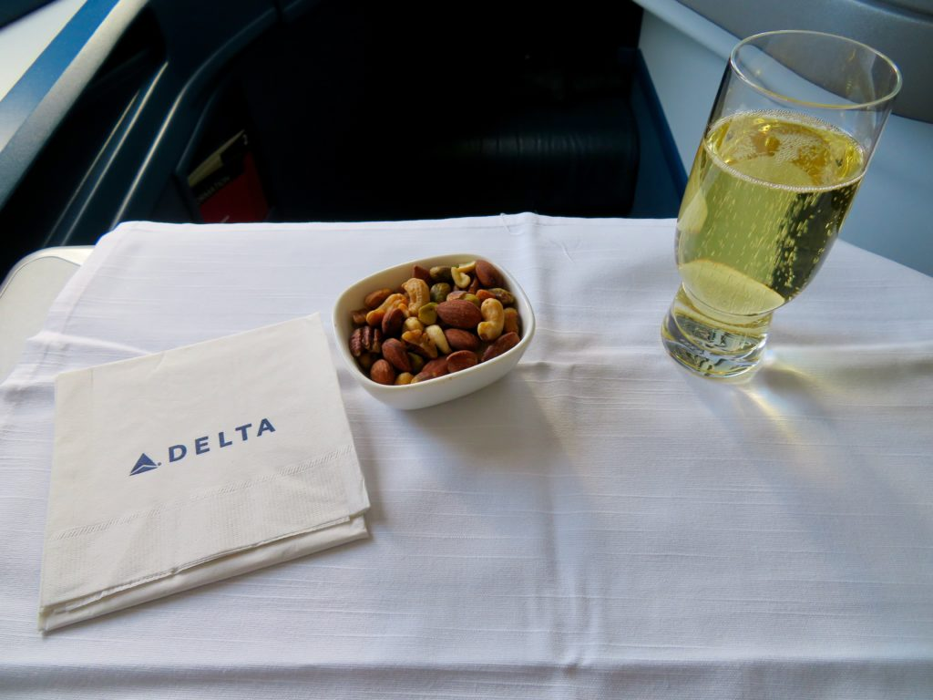 This image has an empty alt attribute; its file name is 33-Delta-One-business-class-settling-in-1024x768.jpeg
