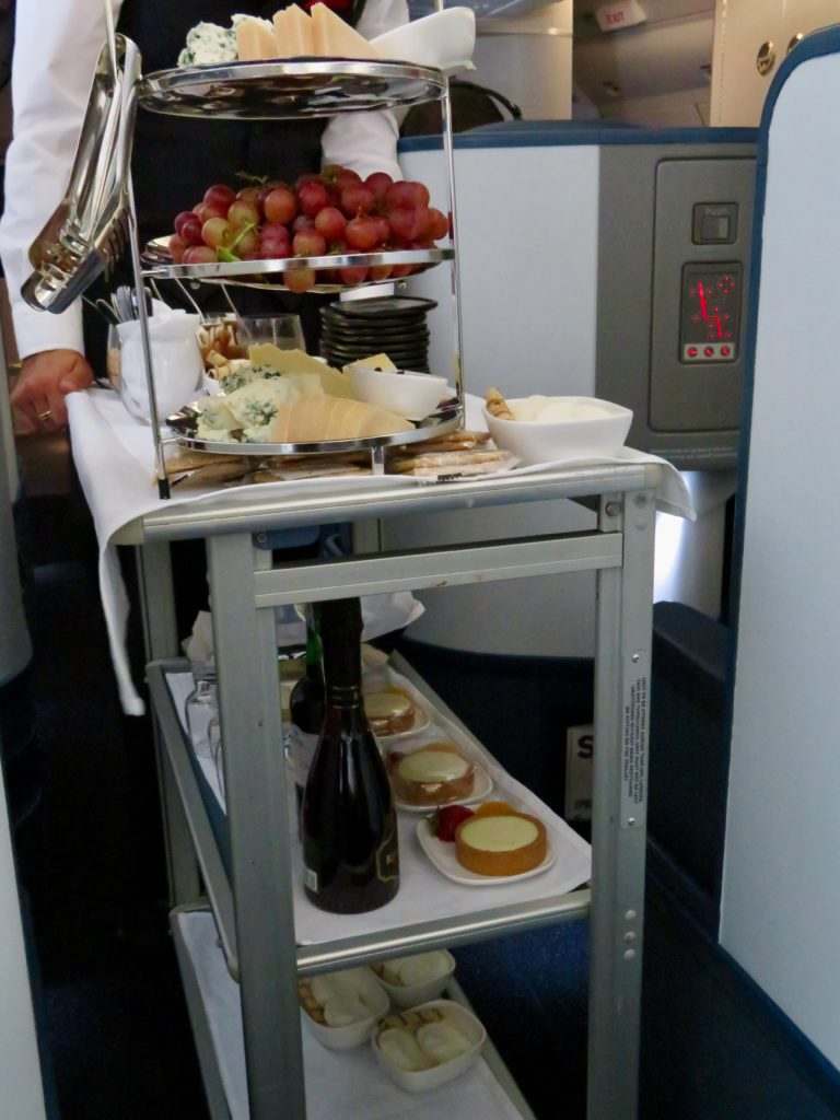 This image has an empty alt attribute; its file name is 36-Delta-One-business-class-desserts-768x1024.jpeg
